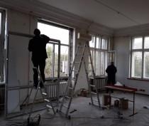 В Орджоникидзе ремонтируют Дом культуры