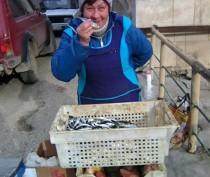 В Феодосии изъяли у стихийщика и утилизировали почти 30 кг свежей рыбы