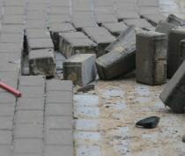 Феодосийские коммунальщики до конца года произведут замену тротуарной плитки на улице Горького