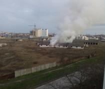 Пожар в Феодосии: горел ангар на Чкалова