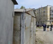 За почти год ситуация с гаражами на Гарнаева в Феодосии не изменилась