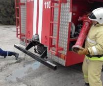 Огнеборцы и сотрудники завода в Багерово отработали действия на случай пожара на складе