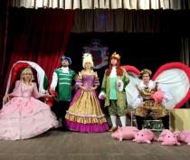 Феодосийцев приглашают в театр