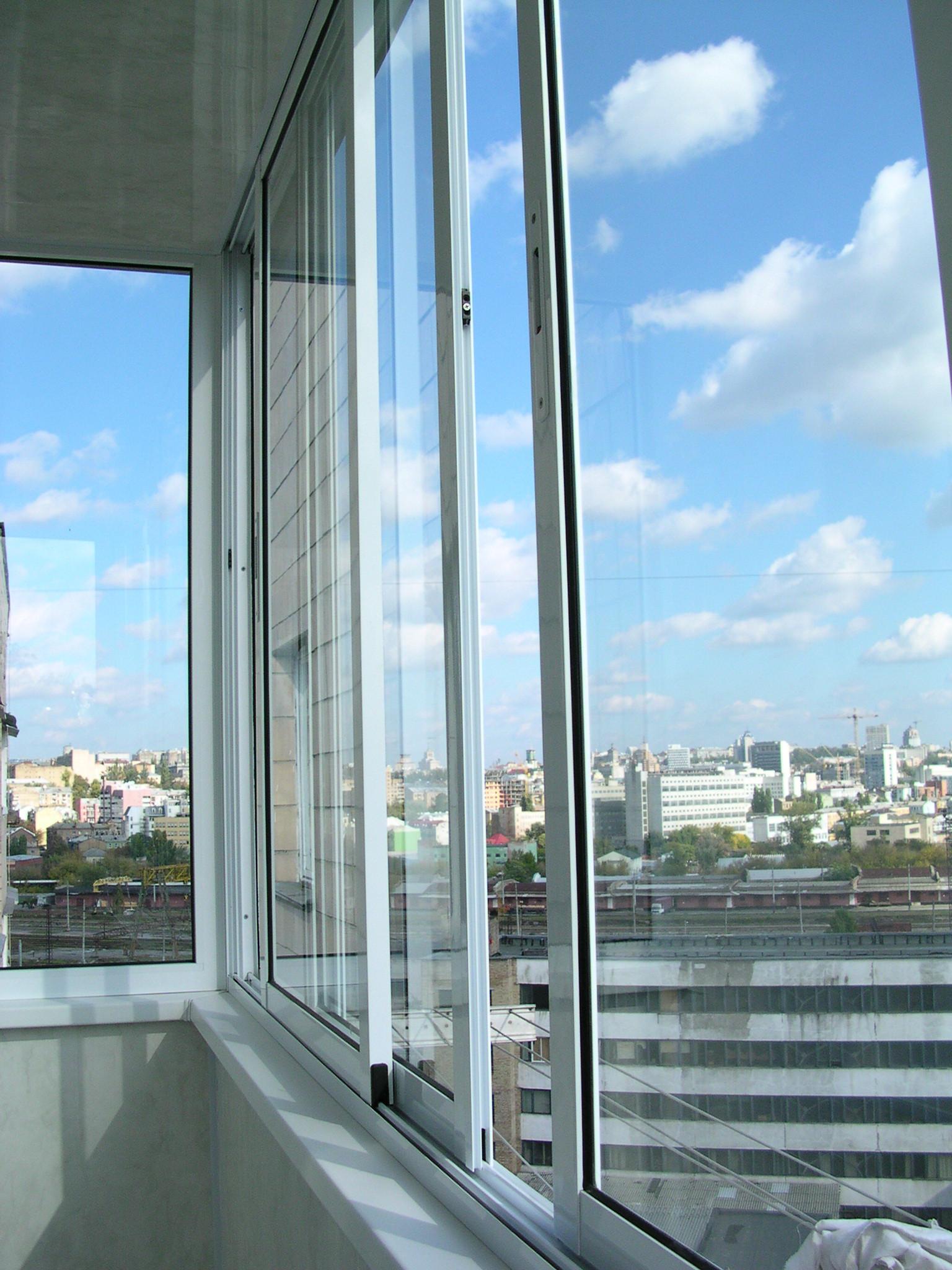 Балкон раздвижной из алюминия