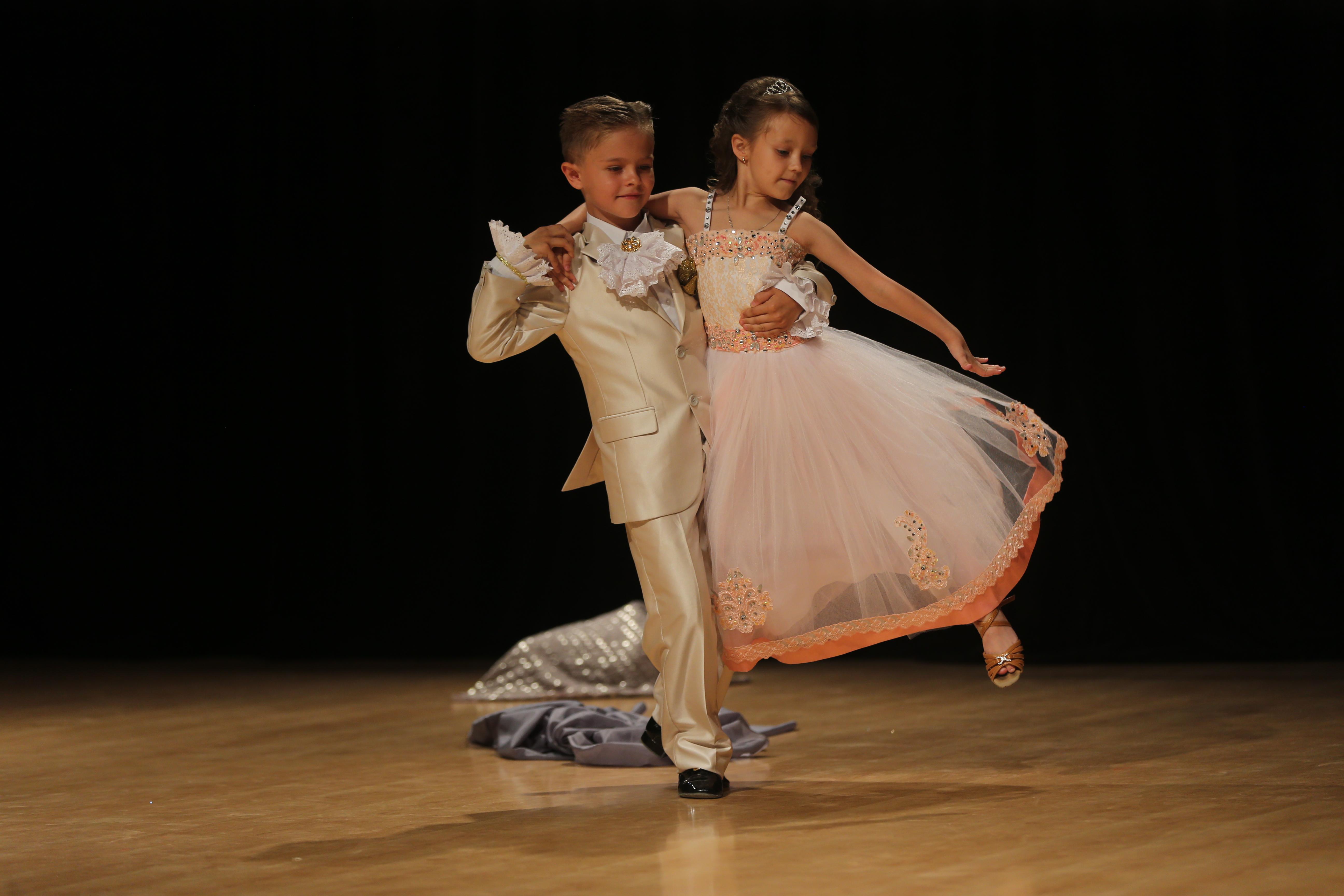 «Спорт-класс» танцевальный спорт Секвей (шоу) 7-17лет (соло, пары)